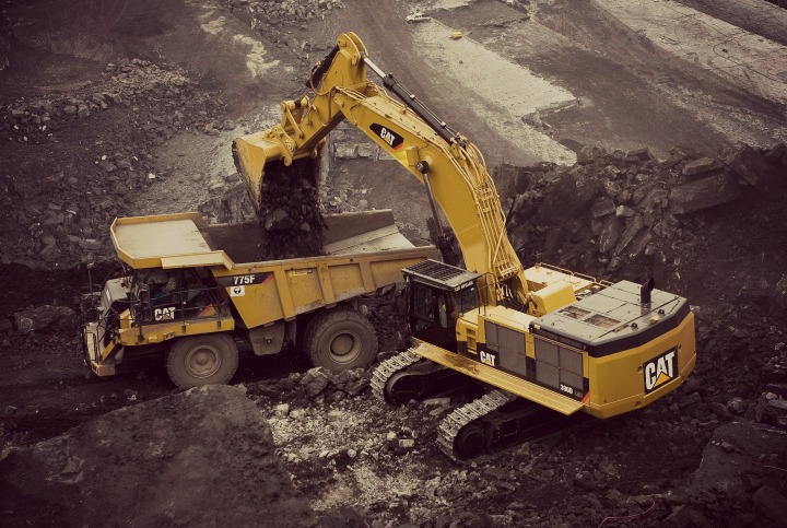 Introducing-The-New-Caterpillar-Excavator-E-Series
