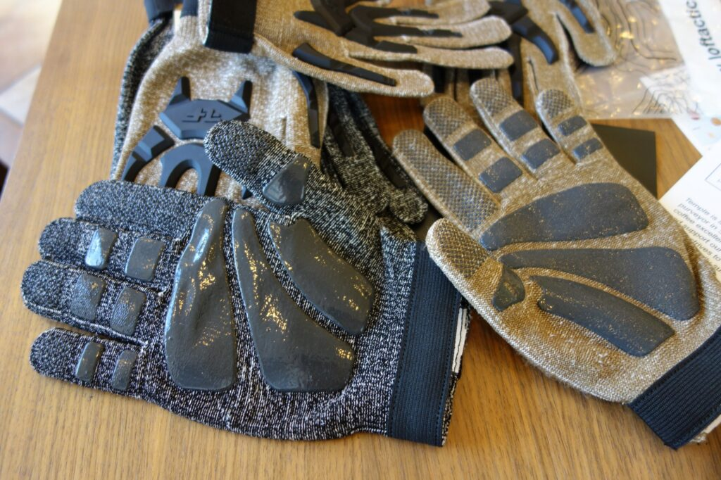 tactical gloves matrial cut resistance