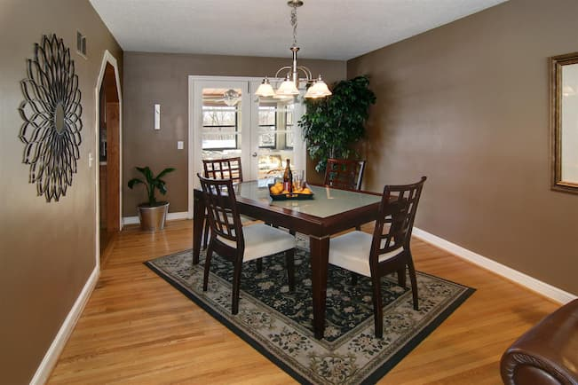 dining area rug
